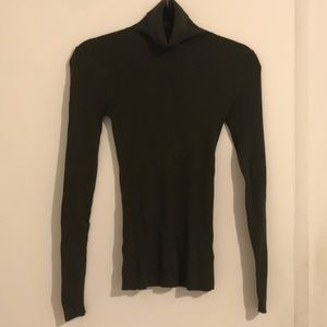 Express turtleneck size small in olive!